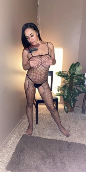 Amelle meet for sex in Evansville